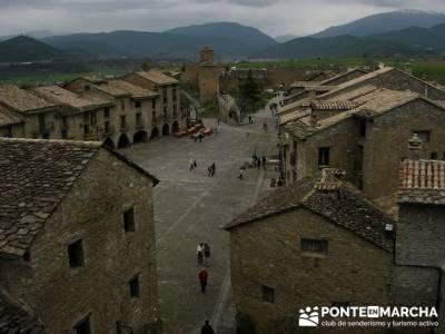 Plaza Ainsa; senderistas madrid; senderismo en madrid grupos